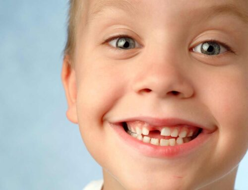 Calendrier: à quel âge poussent et tombent les dents?